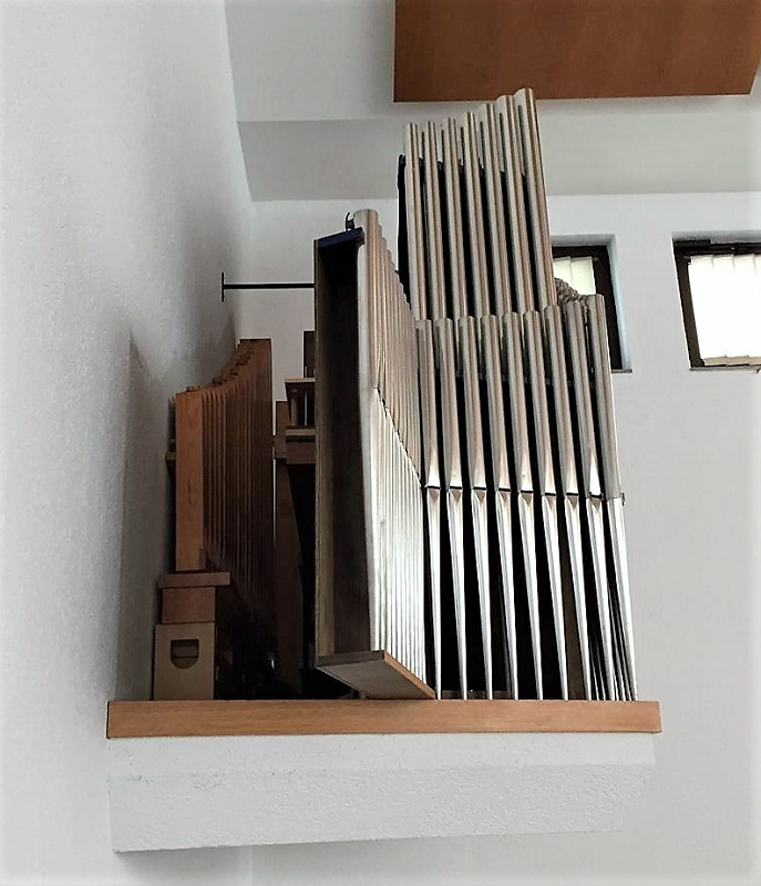 datei m nchen sendling neuapostolische kirche 3 jpg organ index die freie orgeldatenbank. Black Bedroom Furniture Sets. Home Design Ideas